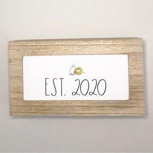 🆕 💍 EST 2020 Sign